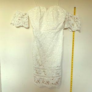 Ivory off shoulder lace dress 👗